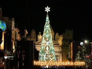 ユニバのクリスマスツリーのライトアップ緑