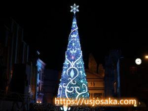 ユニバのクリスマスツリーのライトアップの青